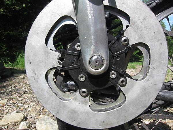 Matériel de réparation minimaliste pour voyage long cours - Page 2 Mountain-drive-serflex-pyrenees-2011